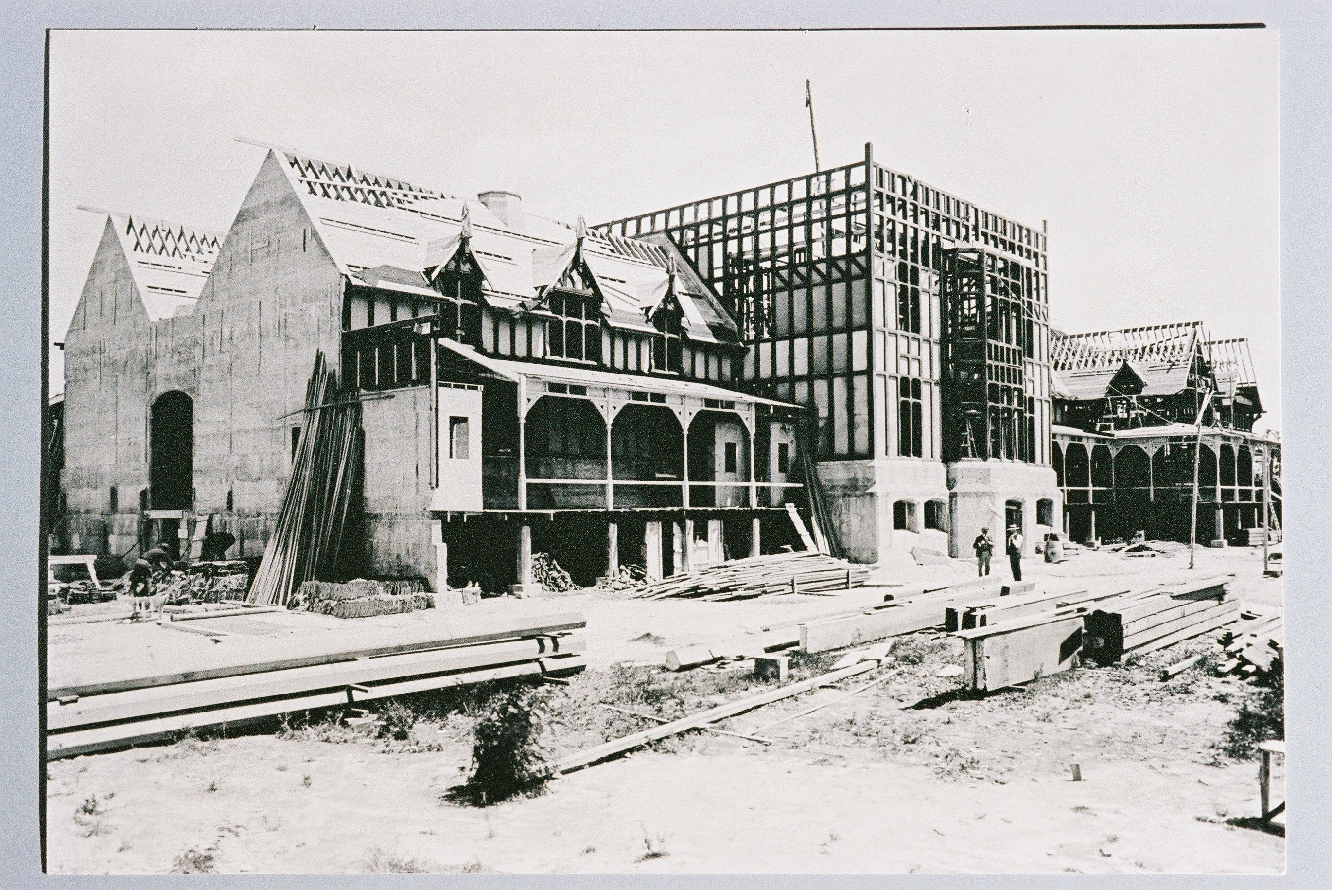 Construction of the Bath House, circa 1907. Photograph by Thomas William May. Rotorua Museum Te Whare Taonga o Te Arawa (CP-32)